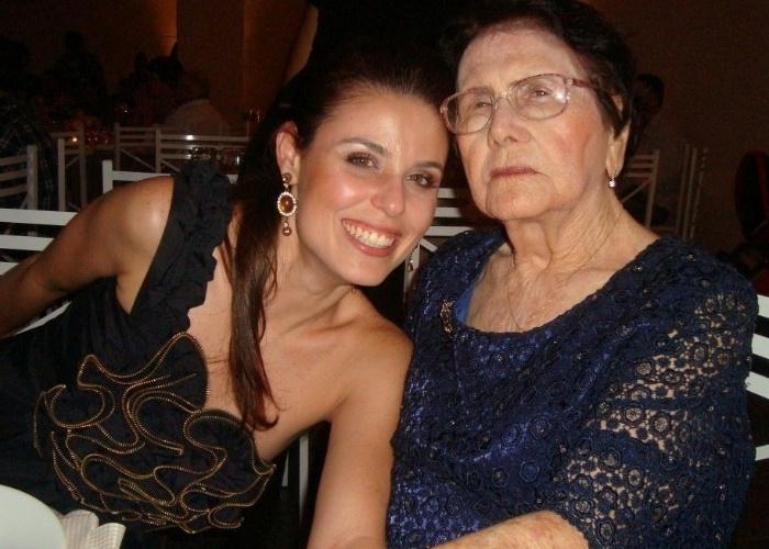 Isis Tremonti Sartori, de São Paulo (SP), registrou foto ao lado da avó Hercilia Padovan Tremonti, que mora em Terra Roxa (SP).