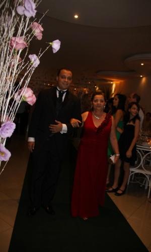 """""""Minha avó é tão especial que foi a pessoa que me acompanhou em meu casamento"""", conta Luiz Henrique Alves da Silva sobre sua avó Odila Alves da Silva."""