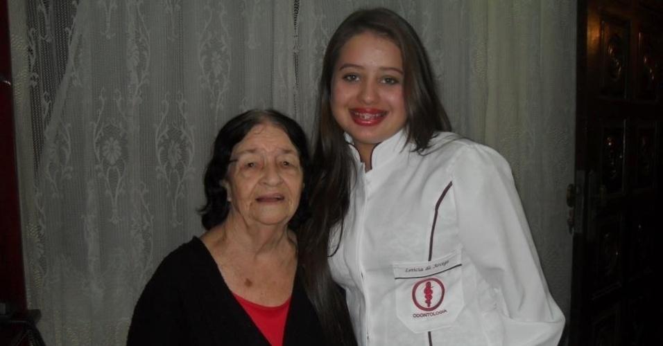 """""""Vó,eu te amo muito,obrigada por sempre me ensinar as coisas,me aconselhar,tenho um imenso carinho por ti. Sei que está muito orgulhosa de mim,pois serei a primeira doutora da família!"""", diz Letícia de Arcega Mendes, neta de Maria Marcelina; elas são de Paranaguá (PR)."""