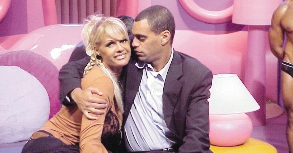 A apresentadora Monique Evans e o jogador Denílson no extinto programa
