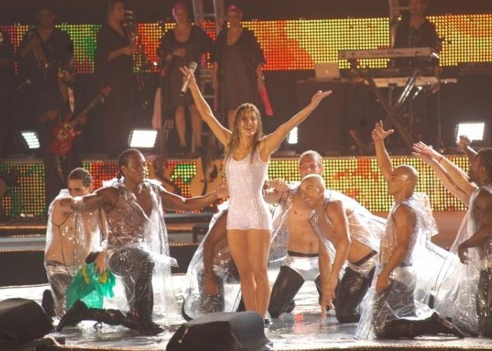 """A cantora na gravação DVD """"Ao Vivo - Copacabana """" (2008)"""