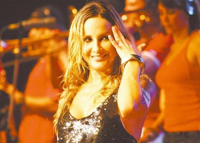 Claudia Leitte em um show do Babado Novo (19/1/07)