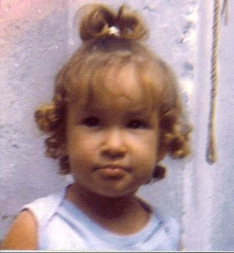 Loirinha, Claudia posa para foto aos 4 anos &#40;1984&#41;