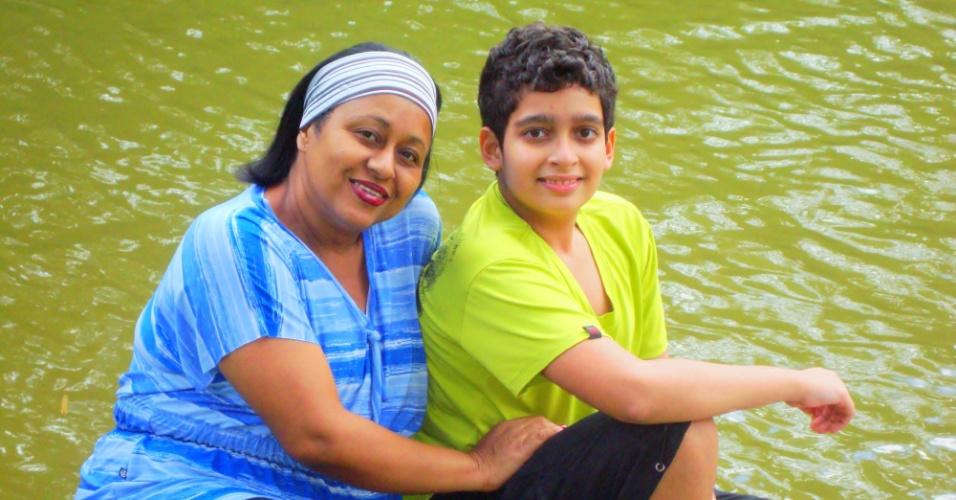 """Legenda para Foto: """"Vovó eu te amo do tamanho do céu, sem tirar nem um pedacinho para Deus não cair"""", diz Luiz Henrique Santos Aguiar, de Salvador (BA), para sua avó Rosângela Elisio dos Santos."""