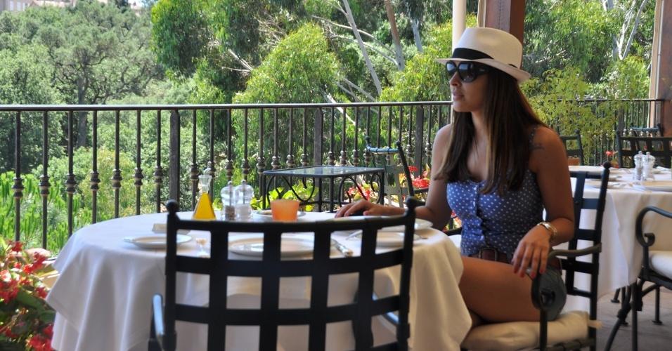 """A ex-BBB Gyselle Soares foi aproveitar o verão da Europa. A beldade resolveu passar alguns dias na cidade de Saint-Tropez, no sul da França. """"Apesar de morar na França, nunca tinha ido a Saint Tropez.  Achei  o lugar maravilhoso. Muito chique e quente!"""", revelou a atriz (11/7/12)."""