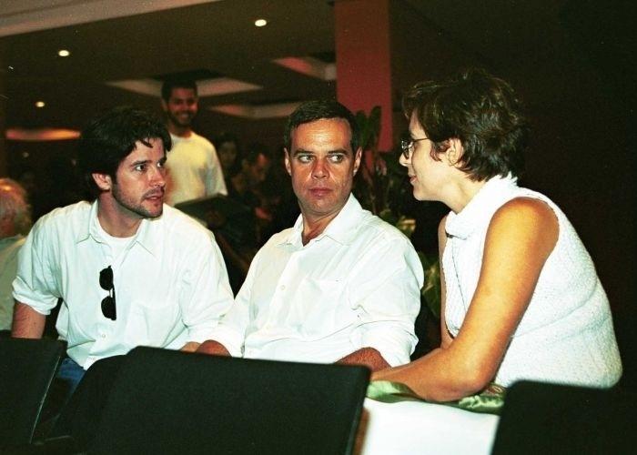 14.dez.2000 - Murilo Benício, Diogo Vilela e Andréa Beltrão, no Rio de Janeiro