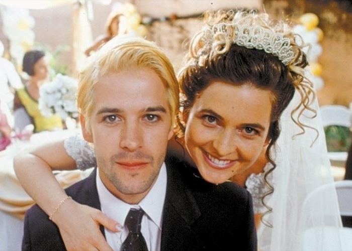 """19.jul.2002 - Murilo Benício e Cláudia Abreu em cena do filme """"O Homem do Ano"""", de José Henrique Fonseca"""