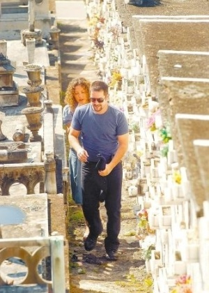 """18.jun.2009 - Murilo Benício e Fabíula Nascimento encarnam o Tenente Wilson e a enfermeira Jaqueline em cena do episódio """"Apenas um Homem Honesto"""", da série """"Força-Tarefa"""", da Globo"""