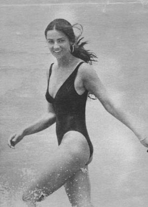 Luiza Brunet também bastante comportada em outubro de 1990