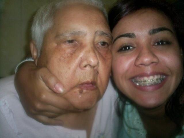 """""""Sou Samantha e o nome da minha vovó querida é Espedita do Espírito Santo Arcebispo. Ela é muito especial e tem Alzheimer, é muito bem cuidada por todos nós, não só por ter essa doença, mas por ter sido a pessoa mais maravilhosa do mundo quando lúcida. Nós a amamos muito!"""", conta a internauta de Belo Horizonte (MG)."""