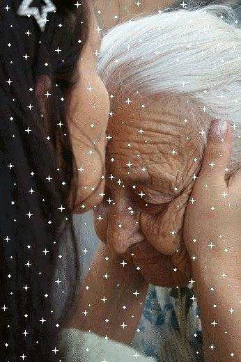 """A internauta Alexandra Ferreira Lima homenageia a vovó Alice Amélia de Barros, de 89 anos: """"Eu, além dos seus cinco filhos, 17 netos e 19 bisnetos, te amo muito!"""""""