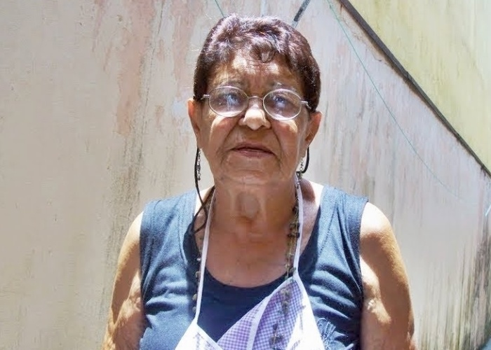 """Edilaine Ladeia declara seu afeto pela vovó Aidê de Poá (SP): """"Homenagem a uma grande mulher, avó e bisavó que nos mostrou muita garra, virtudes e acima de tudo, muito amor. Não poderíamos esquecer desta mulher hoje, que já não está entre nós, mas nos deixou muitas saudades!""""."""