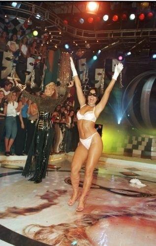 """Em 1999, Suzana Alves participou da gravação do programa """"Planeta Xuxa"""", na TV Globo, com a apresentadora Xuxa Meneghel. No mesmo ano, atuou no filme """"Xuxa Requebra""""."""