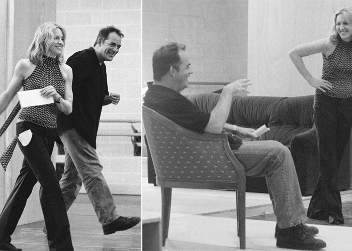 "Madonna e o ator Tom Irwin durante ensaio para a peça ""Up for Grabs"" [""Por Migalhas""], que foi encenada no teatro Wyndham, no West End de Londres (mai/2002)."