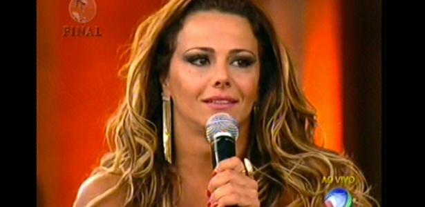 """Viviane Araújo responde a pergunta de um fã de """"A Fazenda 5"""" (29/8/12)"""