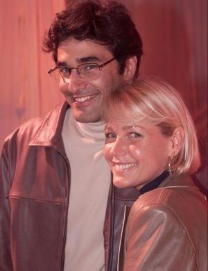 """Xuxa e Luciano Szafir no lançamento do filme """"Xuxa e os Duendes 2 - No Caminho das Fadas"""", no qual viviam um par romântico (2002)"""