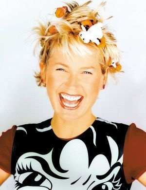 """A apresentadora quando estreou """"Xuxa no Mundo da Imaginação"""" (2002)"""