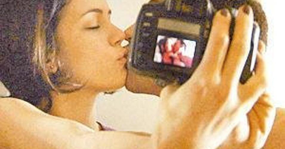 A atriz Leandra Leal em cena do filme 'Nome Próprio' de Murilo Salles (2008)