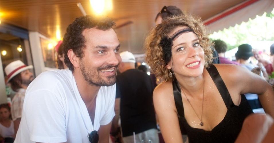 Ale ypouseff e leandra Leal no bloco, me beija que sou cineasta