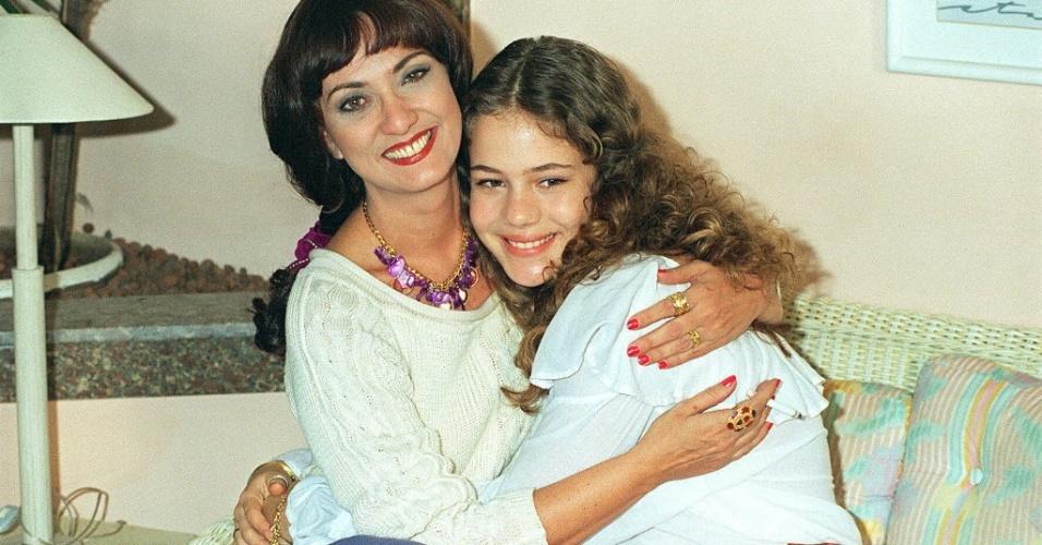 """1995 - Eliane Giardini e Leandra Leal em cena da novela """"Explode Coração"""""""