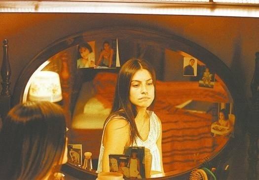 """Set.2003 - Cleo Pires em cena de """"Benjamin"""", filme que a destacou na profissão. A produção foi baseada no livro homônimo de Chico Buarque e teve direção de Monique Gardenberg"""