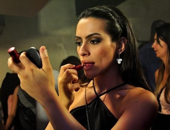 """2011 - Cleo Pires volta ao cinema como protagonista da comédia romântica """"Qualquer Gato Vira-Lata"""""""