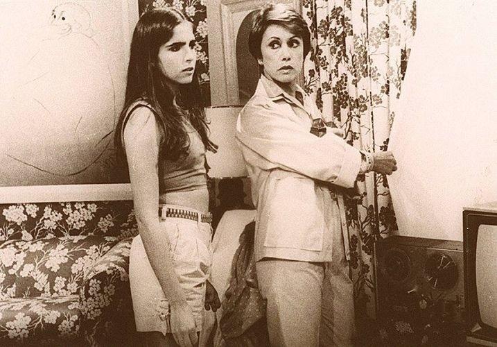 Malu Mader é o nome artístico de Maria de Lourdes da Silveira Mäder. A atriz, de ascendência libanesa, nasceu em 12 de setembro de 1966 e completa 46 anos nesta quarta-feira (12/9/12). Na foto, a bela aparece em seu primeiro trabalho na TV, aos 16 anos, Malu Mader atuou com Dina Sfat na novela 'Eu Prometo', como Dóris Ribeiro Cantomaia (1983)