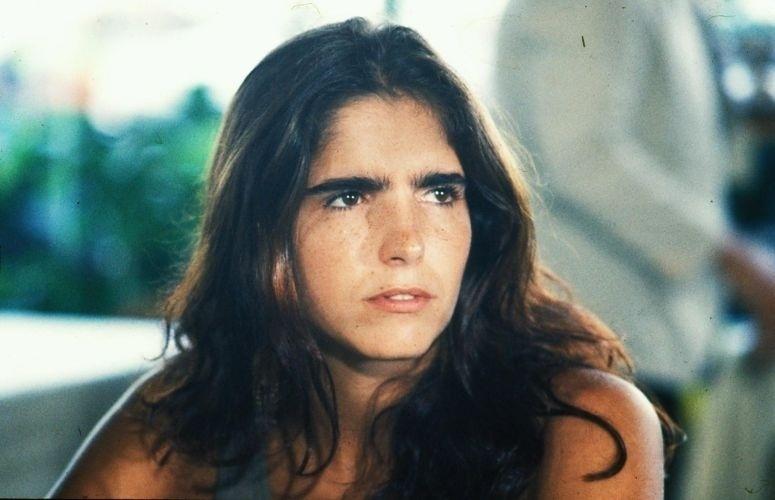"""Malu Mader interpretando a ex-menina de rua Glorinha da Abolição em """"O Outro"""" (1987)"""