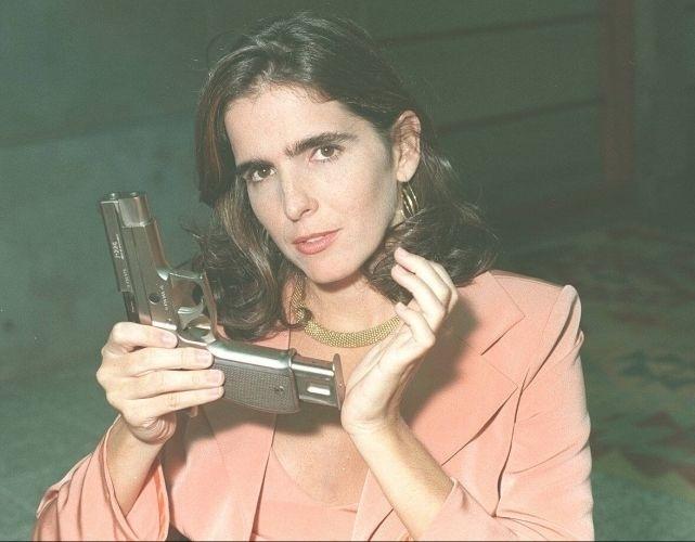"""Malu Mader interpretou a policial Diana na série """"A Justiceira"""" (1997)"""