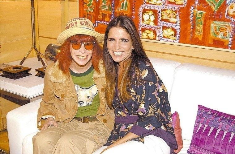 """Rita Lee e Malu Mader durante intervalo de gravação da novela """"Celebridade"""", da Globo. A cantora faz uma participação especial na novela (14/1/04)"""