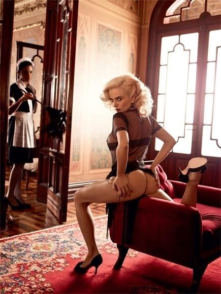 """A revista """"Playboy"""" divulgou três fotos inéditas do ensaio da atriz Nathália Rodrigues, que estampou a capa da edição especial de aniversário da publicação, em agosto de 2012. A gata virou """"sonho de consumo"""" da """"Playboy"""" ao interpretar a prostituta Natasha, no remake de Gabriela, da TV Globo."""