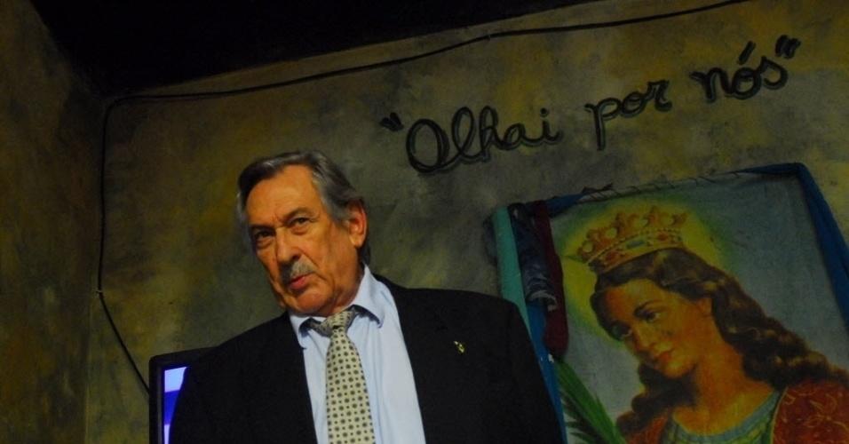 """Paulo Goulart grava cena do filme """"Luz nas Trevas - A Volta do Bandido da Luz Vermelha"""" (2009)"""