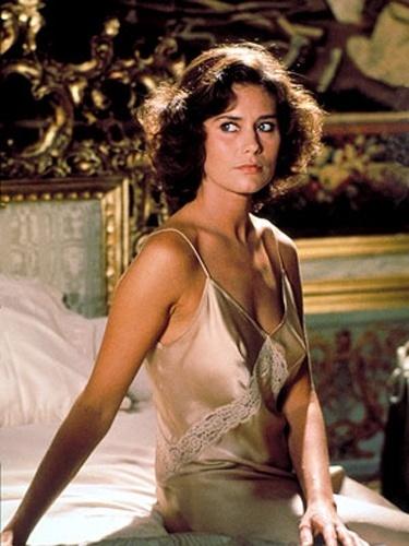 """Corinne Cléry fez o papel de Corinne Dufour, em """"Moonraker"""", de 1979"""