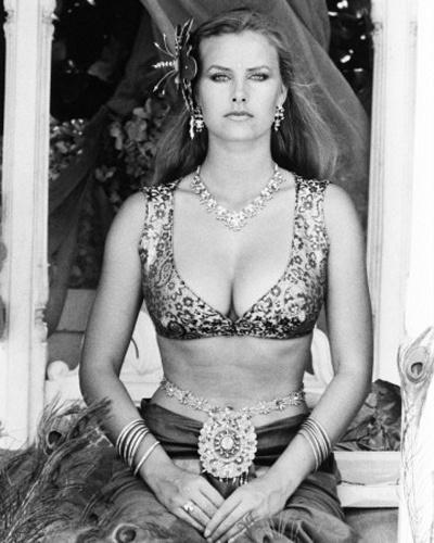 """Kristina Waybourne interpretou Magda em """"Octopussy"""", de 1983"""