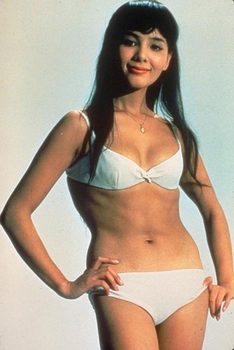 """Mie Hama fez Kissy Suzuko, em """"You Only Live Twice"""", em 1967"""