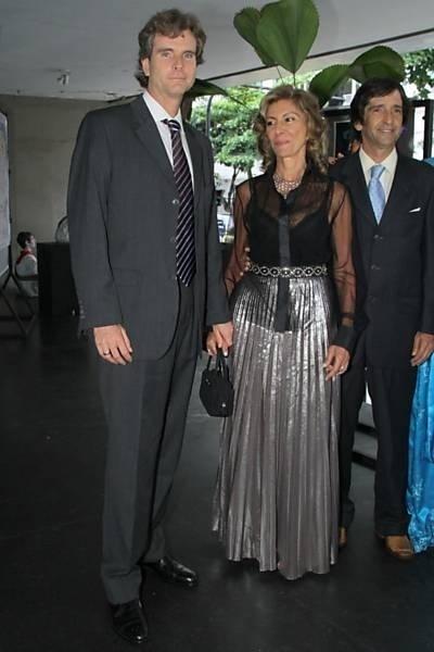 Marilia Pêra, a madrinha ilustre de Aparecida Petrowky e Felipe Dylon (15/12/11)