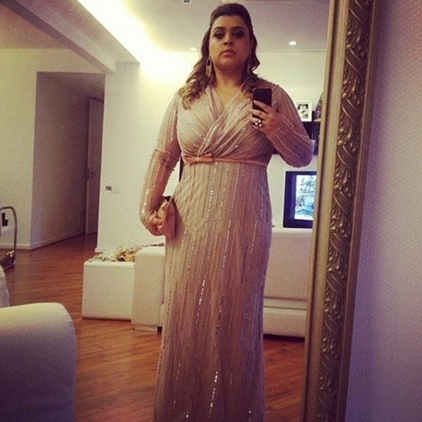 Preta Gil divulgou imagem de seus vestido antes de ir para o casamento de Marcelo Serrado (4/8/12). A cantora será madrinha do ator e fará um show na festa