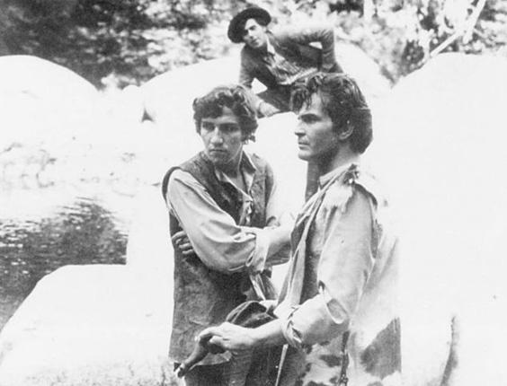 Em 1970, Tarcísio Meira dá vida ao primeiro personagem de grande repercussão de sua carreira, João Coragem, protagonista da telenovela 'Irmãos Coragem'