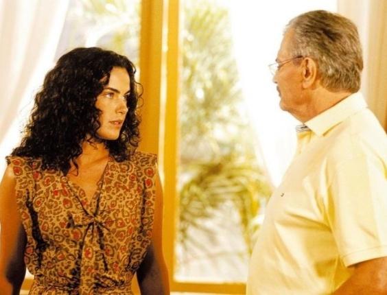 """O ator Tarcísio Meira e a atriz Ana Paula Arósio durante cena da novela """"Páginas da Vida"""", da TV Globo (2006)."""