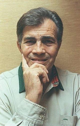 O ator Tarcísio Meira em sua residência no Rio de Janeiro (16/6/96)