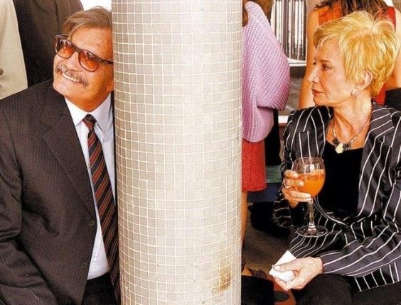 Os atores Tarcísio Meira e Glória Menezes no casamento da atriz Mika Lins e do publicitário Sérgio Glasberg, na cobertura do Edifício Copan, em São Paulo (12/11/05)
