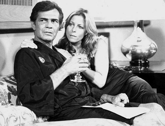 """Os atores Tarcísio Meira e Monique Lafond em cena do filme """"Eu"""", de Walter Hugo Khouri (1987)"""