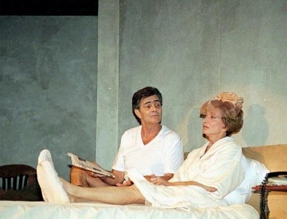 """Tarcísio Meira e Glória Menezes durante ensaio da peça """"E Continua Tudo Bem"""", no teatro dos Atores, no Rio (13/3/96)"""