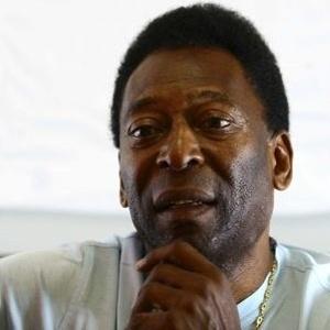 O ex-jogador Pelé foi submetido a uma cirurgia no quadril, no hospital Albert Einstein, no sábado