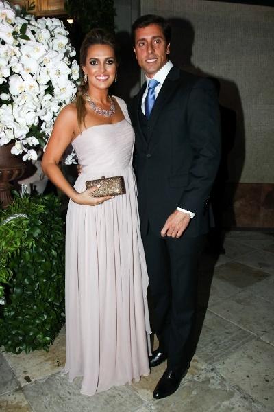 Karyn Bravo, jornalista do SBT, e o marido, André Loureiro