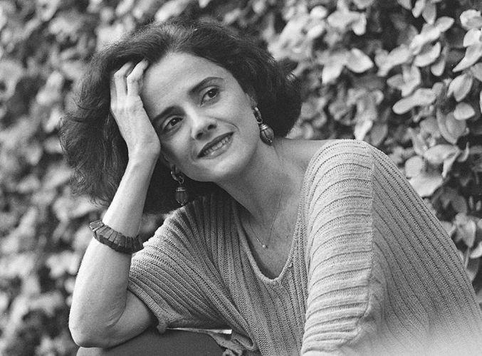 Marieta Severo em foto tirada em sua casa (1995)
