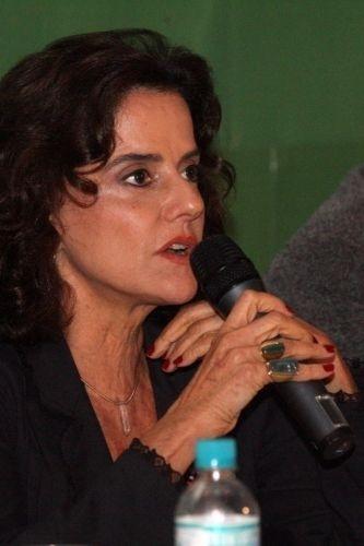 """Marieta Severo durante o lançamento do filme """"A Grande Família"""" no Rio de Janeiro (2007)"""