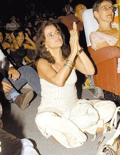 """Marieta Severo na pré-estreia do filme """"Raízes do Brasil"""", de Nelson Pereira dos Santos, no Rio (18/3/04)"""