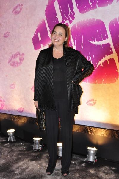 """Claudia Jimenez no lançamento da novela """"Aquele Beijo"""" (11/10/2011). Em mais de 30 anos de carreira, a atriz atuou em mais de 15 produções televisivas - novelas, seriados e programas humorísticos -, integrou o elenco de filmes representativos para o cinema brasileiro - como """"Ópera do Malandro"""" (1986) - , além de presentear o público com o seu talento nos palcos dos teatros"""