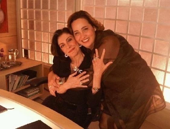 """Marília Pêra e Claudia Jimenez durante gravação de """"A Vida Alheia"""" (12/8/10)"""